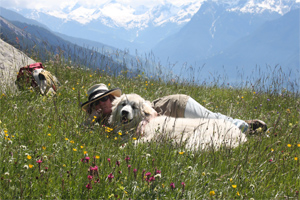 With my mommy in an Alp meadow